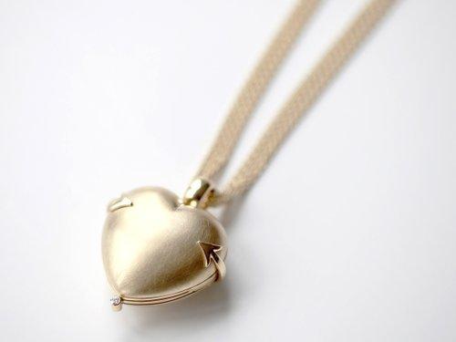 Kette herzförmig Gold, Zurbuchen Schmuck